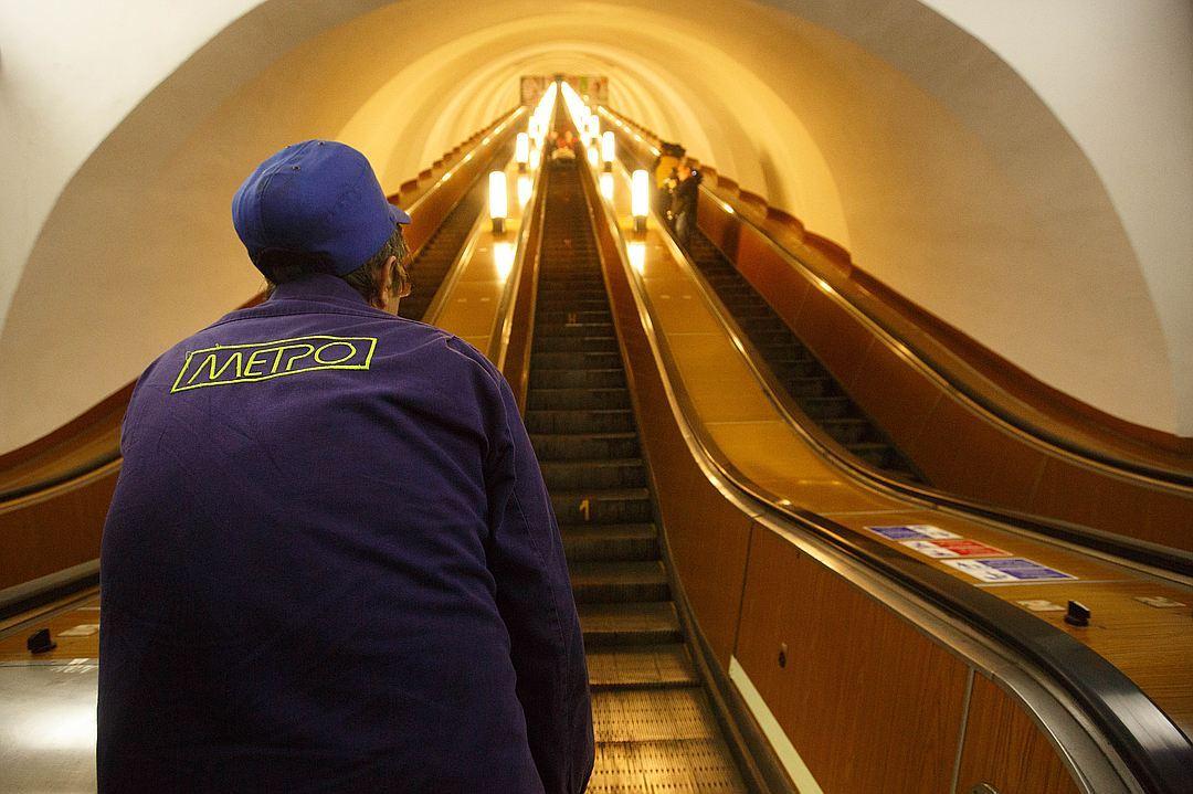 ВПетербурге на«Проспекте Славы» начали тестировать российские эскалаторы