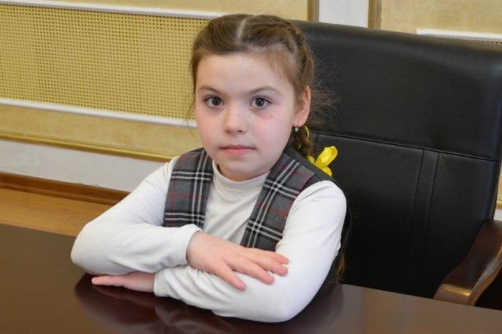 9-летняя школьница попросила В. Путина отремонтировать дорогу вПермском крае