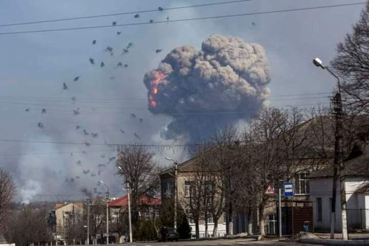 Порошенко призвал НАТО напомощь— Взрывы вХарькове