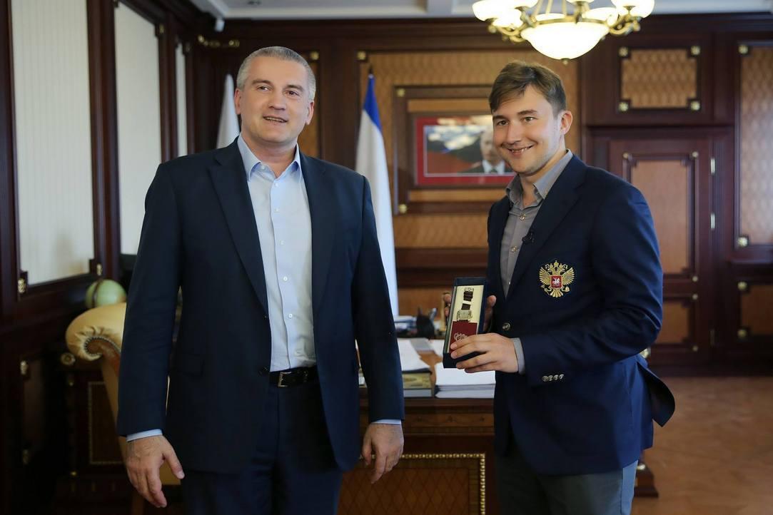 Руководитель Крыма анонсировал открытие школы шахматиста Карякина вСимферополе