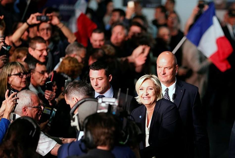 ЛеПен пообещала договориться оновых условиях для Франции вЕС