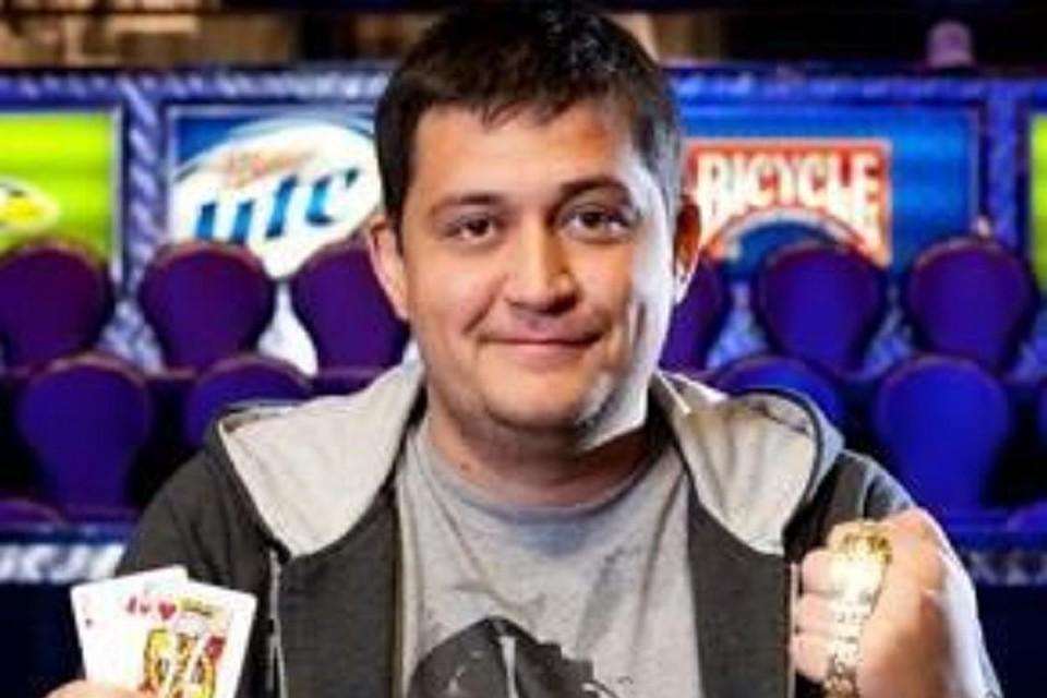Выигравшего миллионы впокер безработного объявили врозыск вЧувашии
