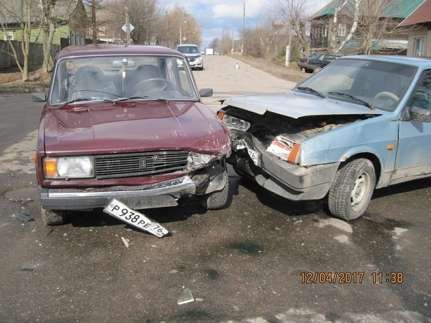 ДТП вгороде Тутаеве: пострадало два человека