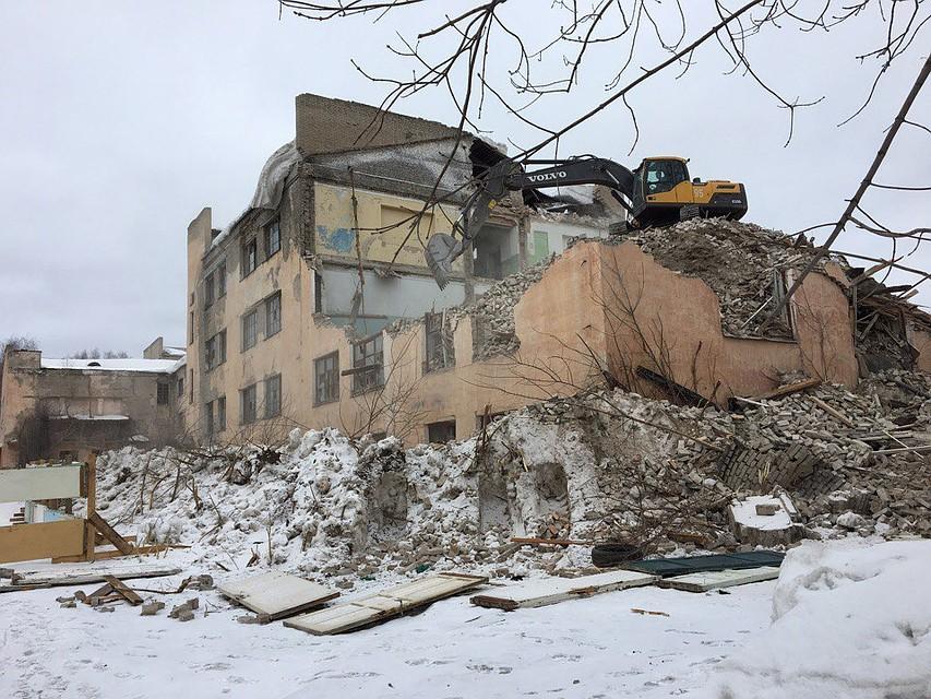 ВБерезниках при демонтаже здания умер  рабочий, очередной  - вреанимации
