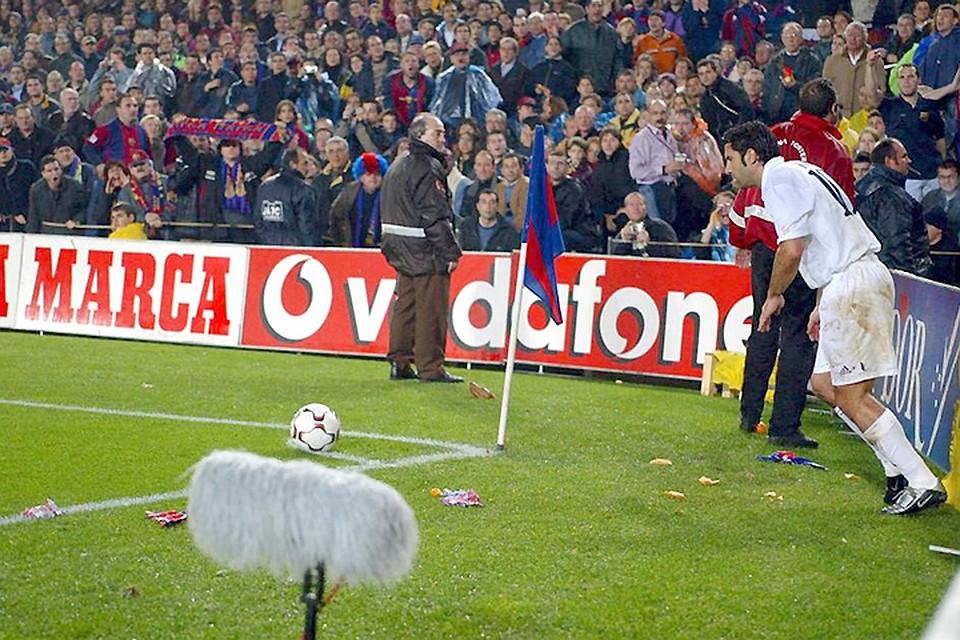 Фанаты датского «Брондбю» закидали футболистов «Копенгагена» дохлыми крысами