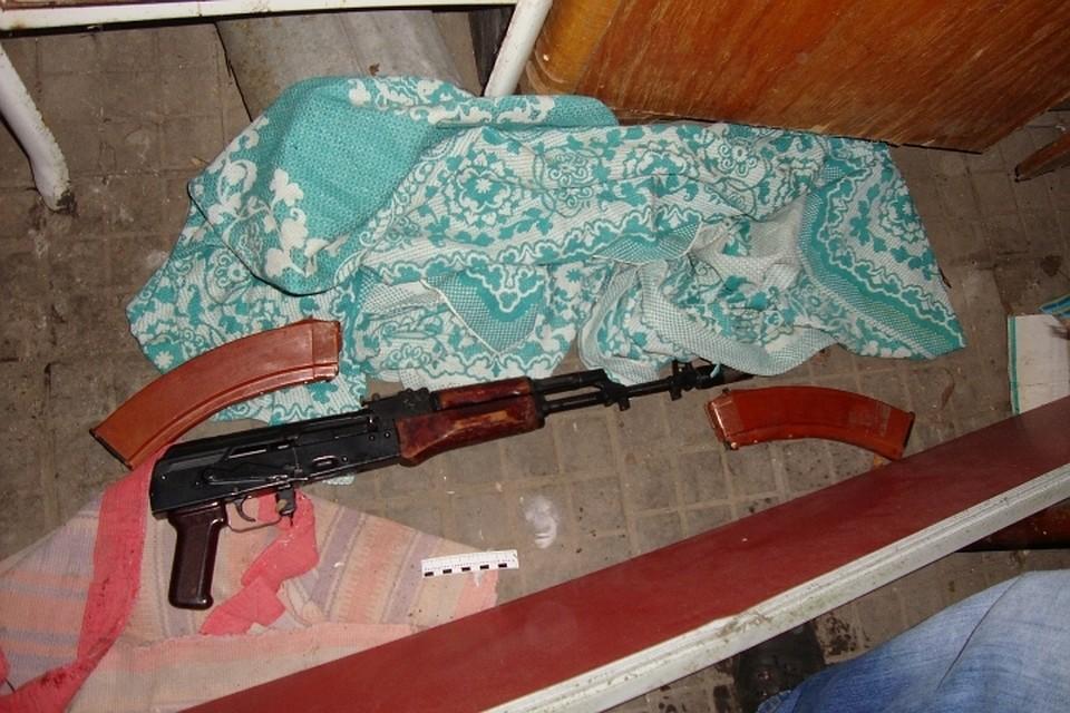 ВНовокубанском районе нетрезвый мужчина застрелил девушку изавтомата