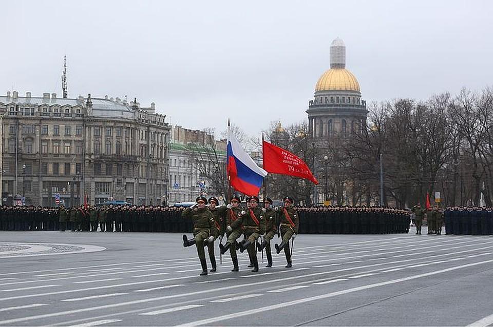Репетиции Парада Победы наДворцовой перенесли навечернее время