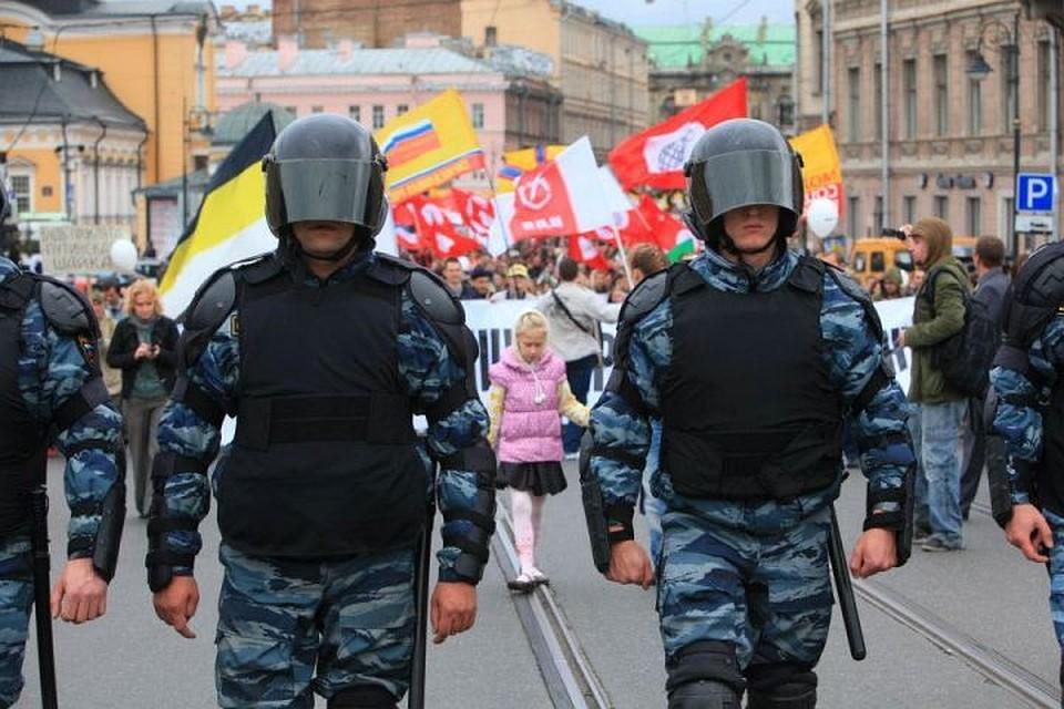 Охранять волгоградцев 1мая будут практически 1,5 тысячи полицейских