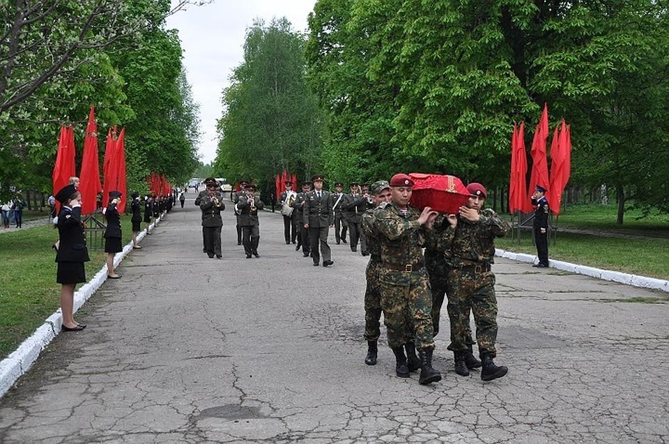 Вцеремонии захоронения праха советского воина принял участие руководитель Ставрополья