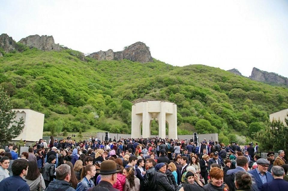 ВКарачаево-Черкесии празднуют 60 лет содня возвращения карачаевцев