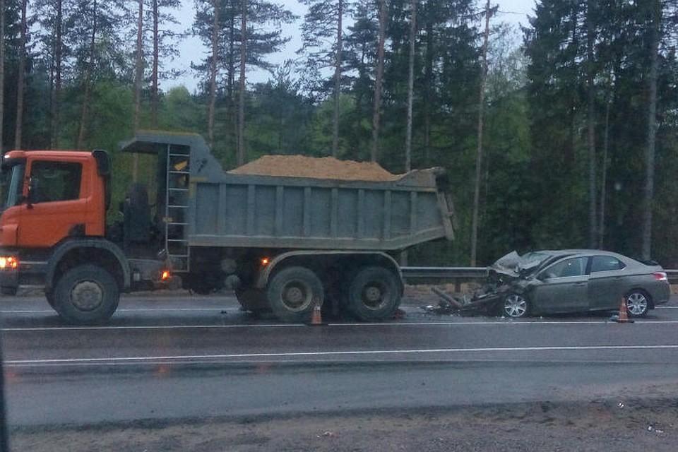 ДТП на«Скандинавии» сучастием джипа и фургона - есть жертвы