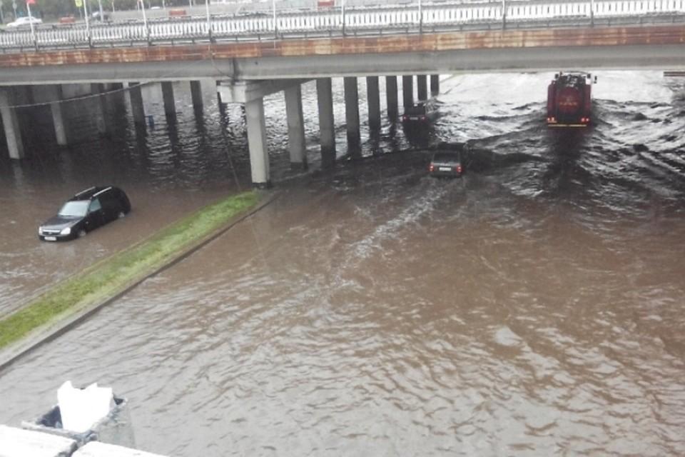 ВЧелнах пояснили затопление под мостом наперекрестке улВахитова