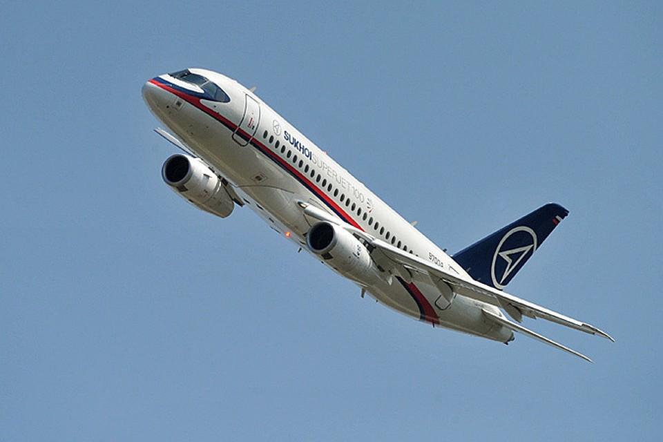 Самолёт, накотором летят вУльяновск участники совещания сМедведевым, сломался