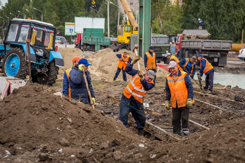 ВОмске засутки заасфальтировали больше 3 гектаров дорог
