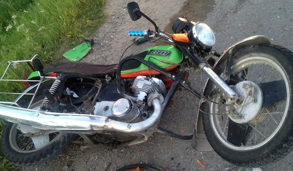 Смертельное ДТП вКрасноярском крае: «Нива» сбила 2-х молодых людей намотоциклах