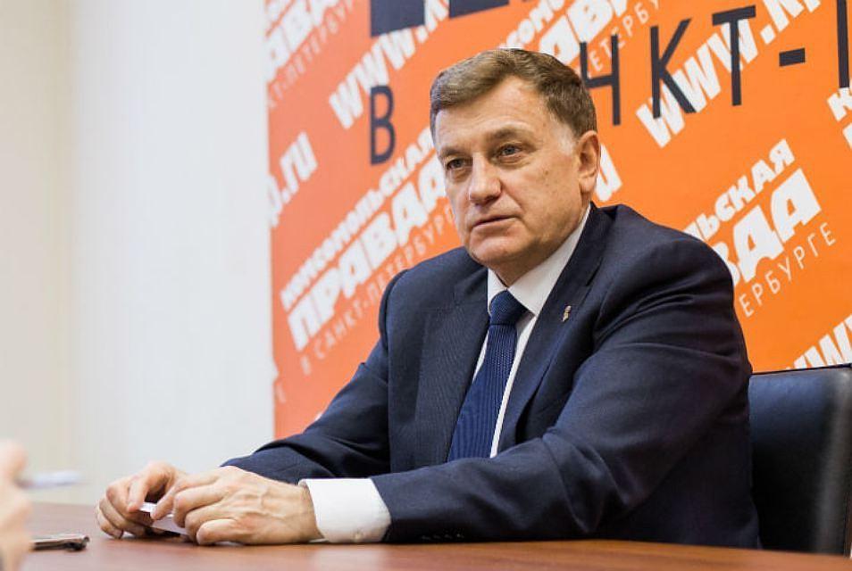 Совет фракций отказался приглашать руководителя  милиции  Петербурга на совещание  ЗакСа