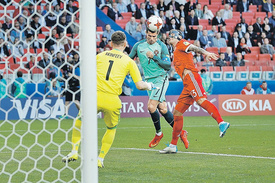 Футболисты сборной Португалии разгромили новозеландцев вматче Кубка конфедераций