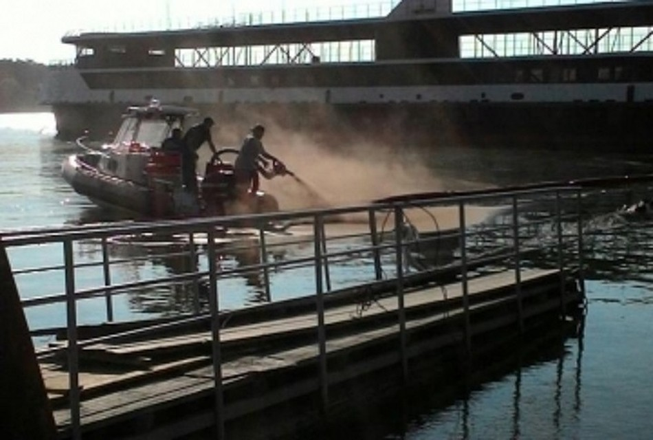 Под Новосибирском затонуло судно-толкач