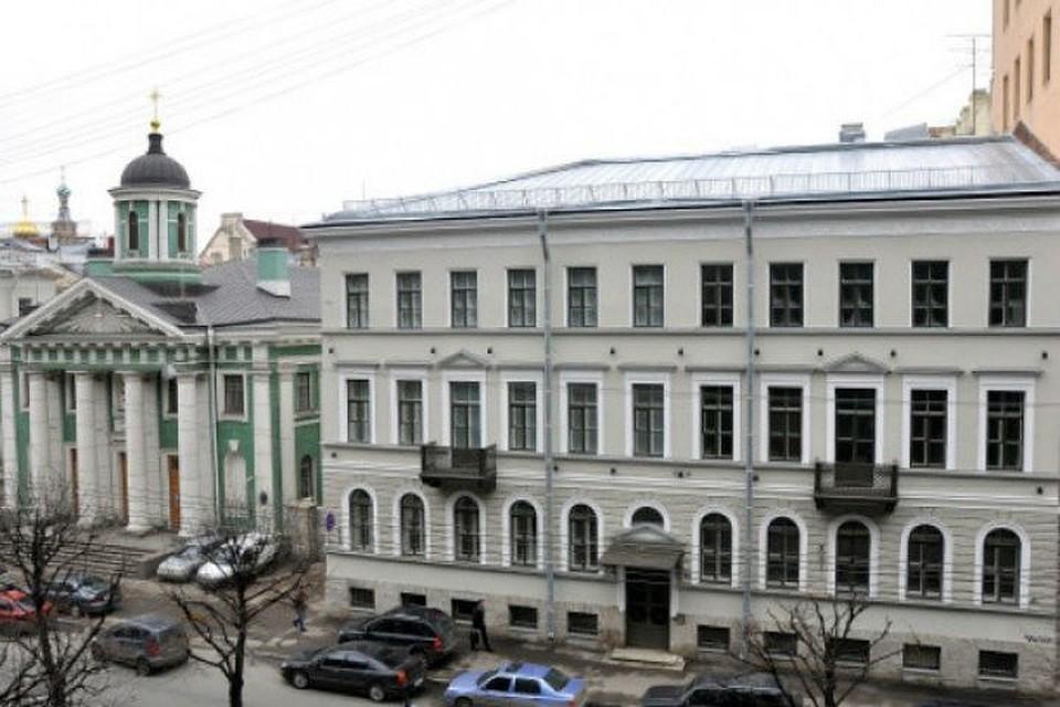 Руководство РФпродаст Финляндии дом вцентре Петербурга за500 млн руб.