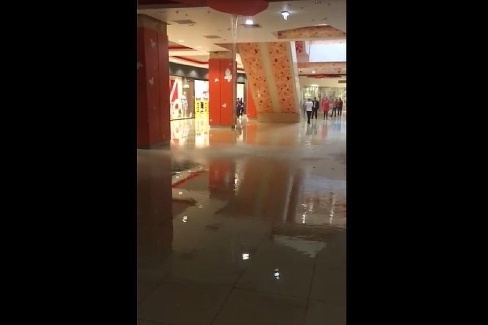 Улицы издания Уфы затопило из-за сильного ливня