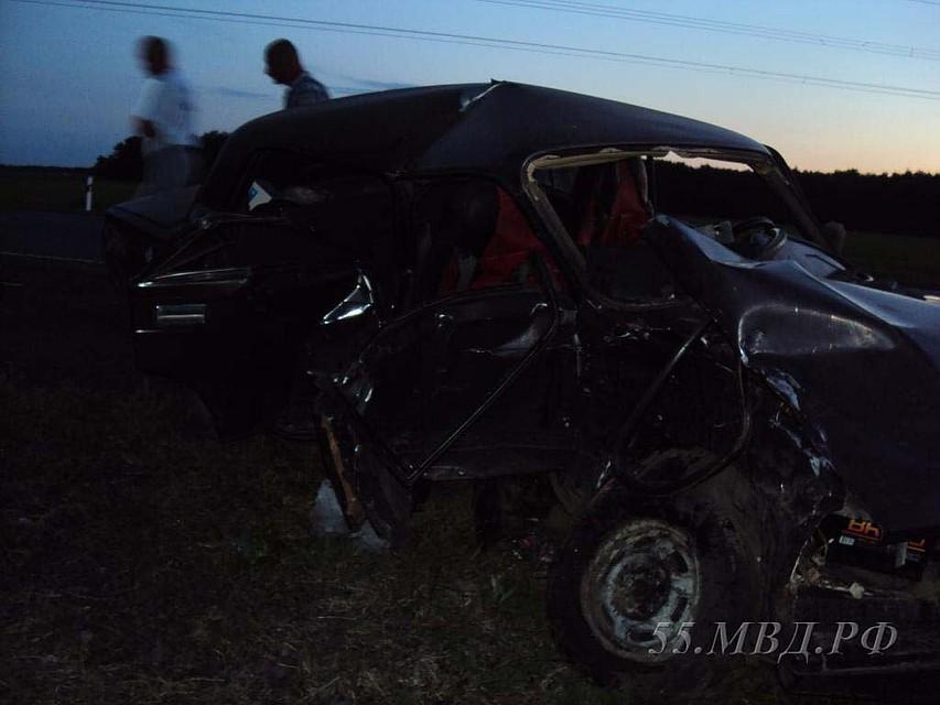 Под Омском столкнулись «Тойота» и«семерка»: 1 человек умер, трое пострадали
