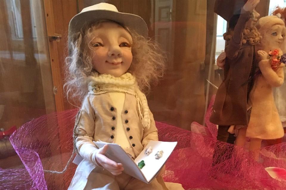 ВПетербурге открылась выставка «феи кукол», погибшей втеракте вметро