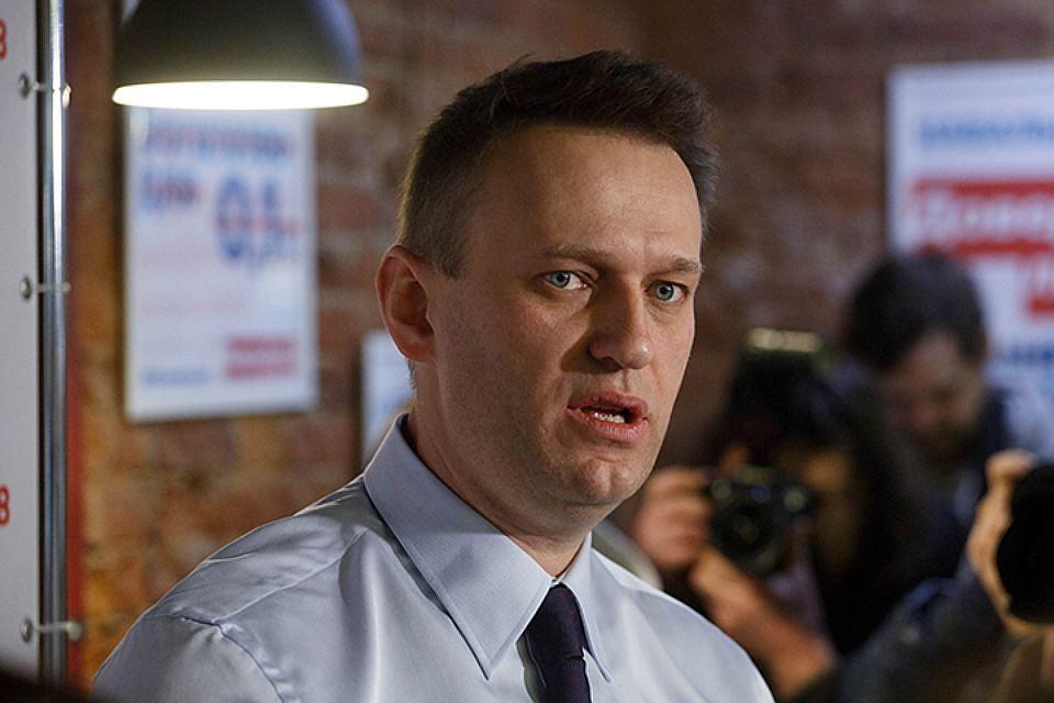 ФСИНРФ просит суд продлить Навальному испытательный срок наодин год