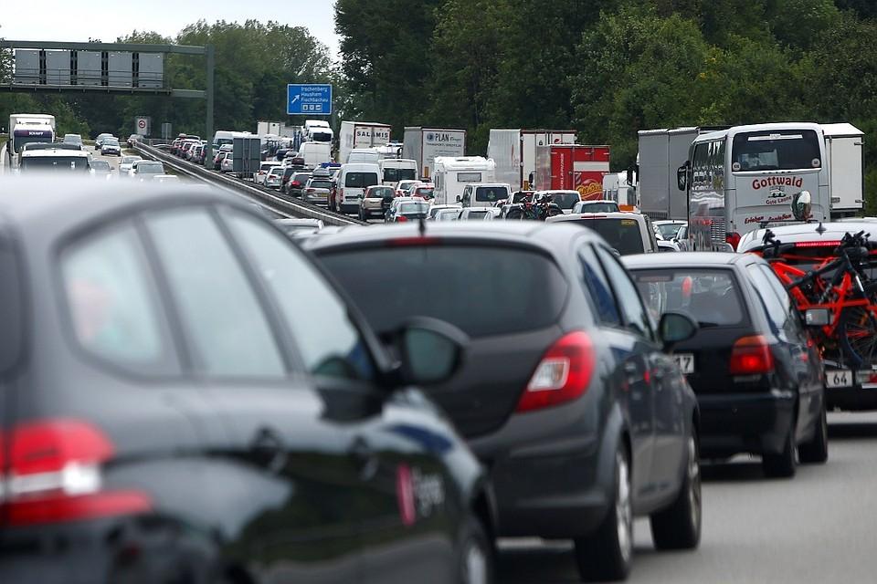Налоговый сбор натранспорт: власти могут обнулить ставки для гибридных иэлектромобилей
