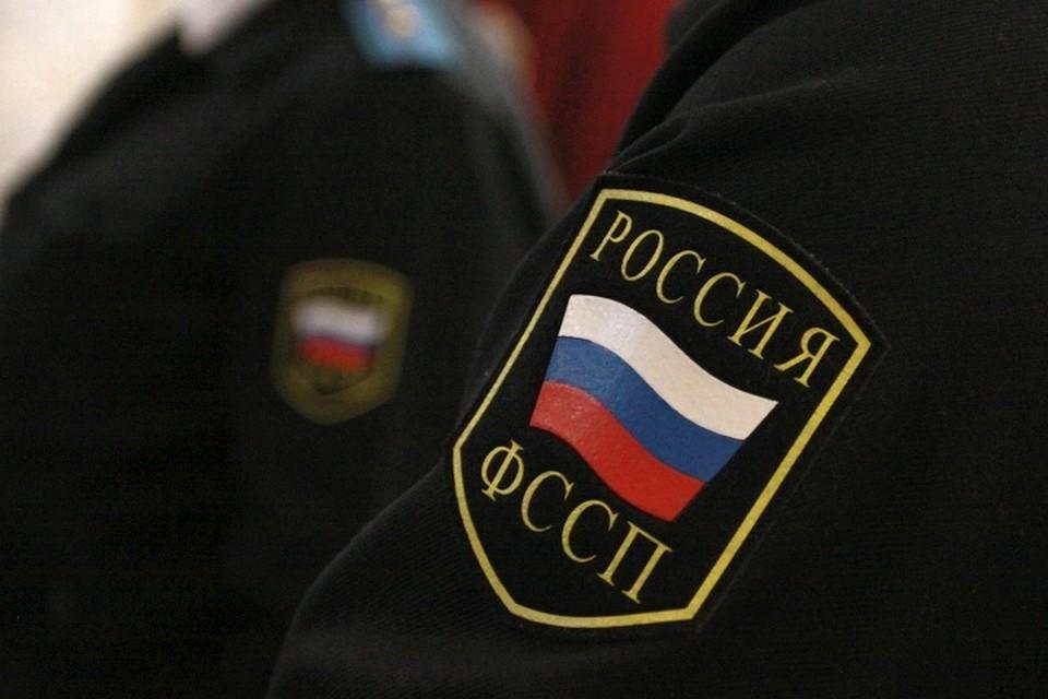 СК сказал, чьи деньги похищала 24-летняя судебный пристав вКалининграде