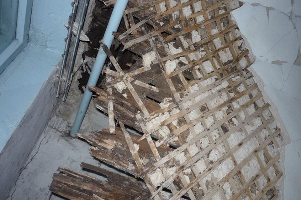 ВБерезниках обвалился  потолок жилого дома
