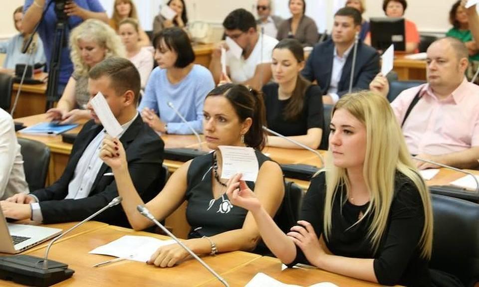 Волгоградцы одобрили идею уменьшить количество депутатов гордумы до36 человек