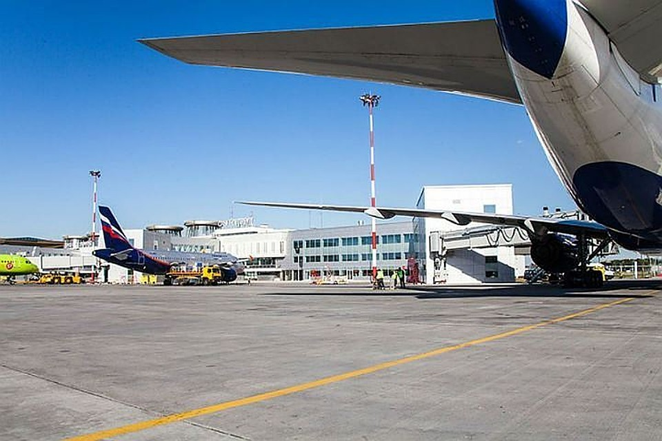 Пассажира рейса изВоронежа вПетербурге наказали закурение наборту