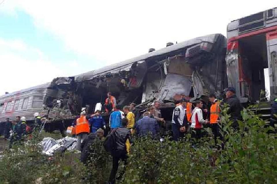 Трое детей пострадали при столкновении поезда с фургоном вЮгре