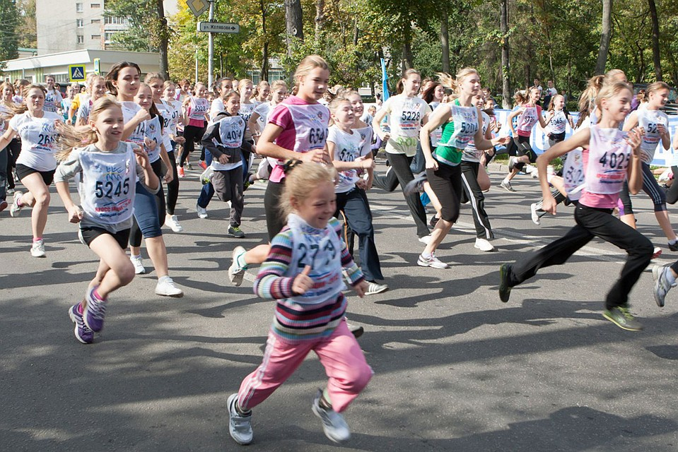 Спортсмены Невского района приняли участие воВсероссийском дне бега «Кросс наций— 2017»
