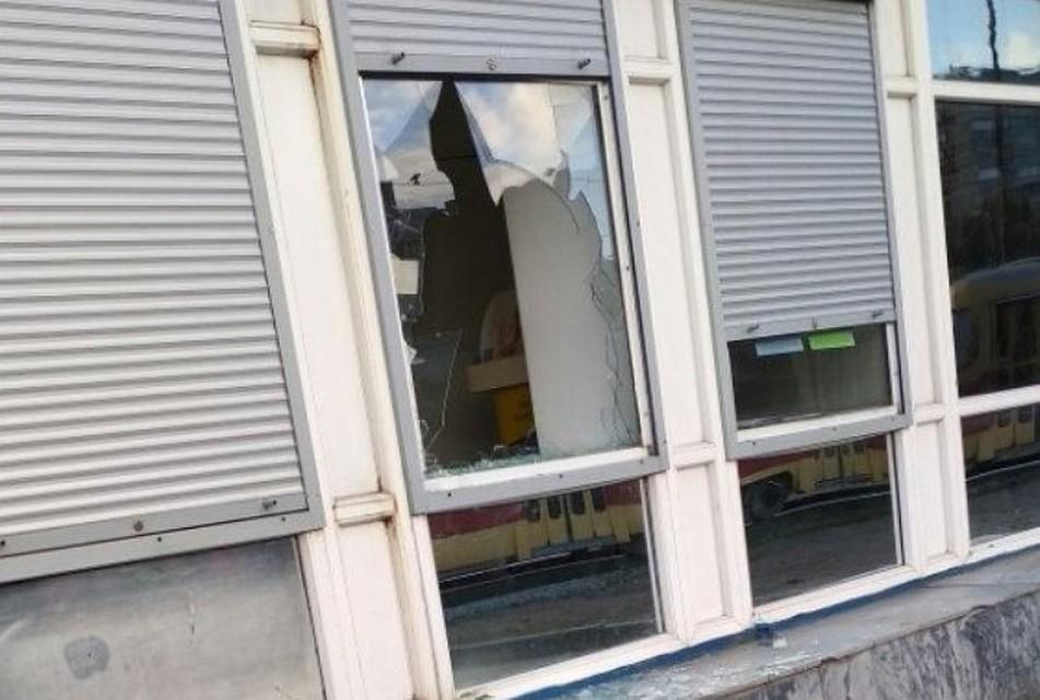 ВЕкатеринбурге вновь ограбили салон «Связной». милиция начала проверку