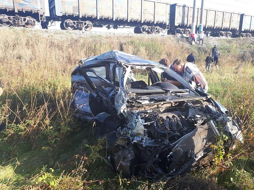 ВУфе погибла женщина-водитель после столкновения стоварным поездом