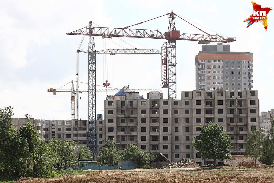 ВГомеле школьница сорвалась с6-го этажа недостроенного корпуса клиники