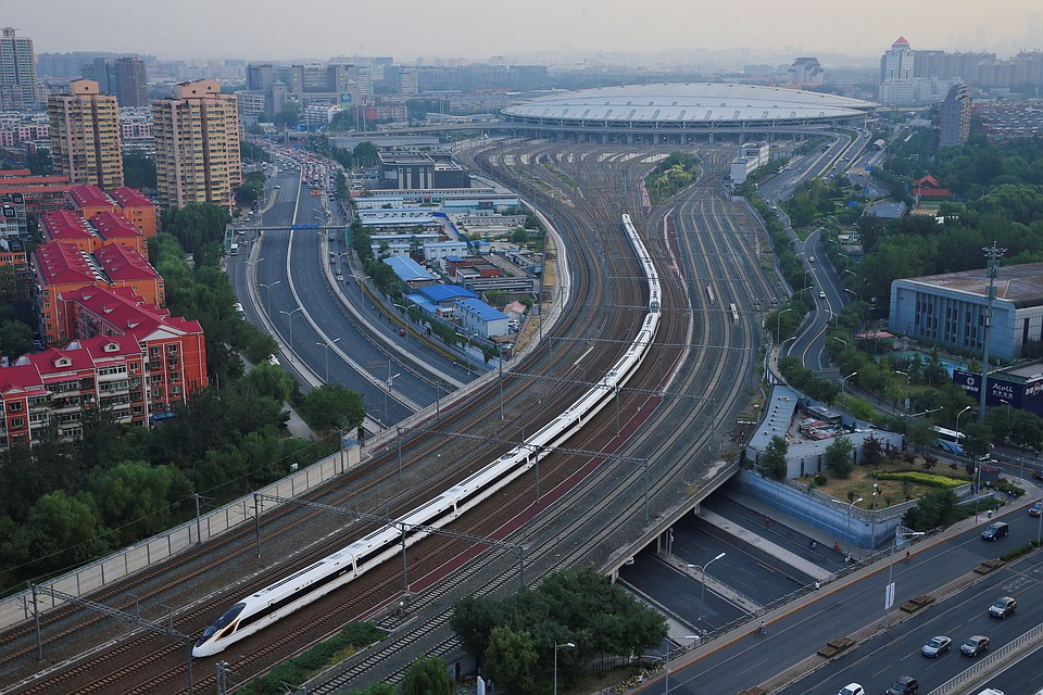 Между Пекином иШанхаем запущены самые быстрые вмире поезда