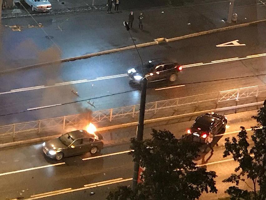 НаЛенинском проспекте врезультате происшествия надороге  зажегся  автомобиль