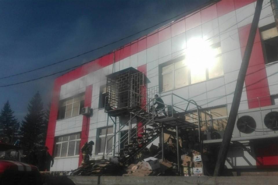 Вселе Оса 10октября сгорел крупный торговый центр