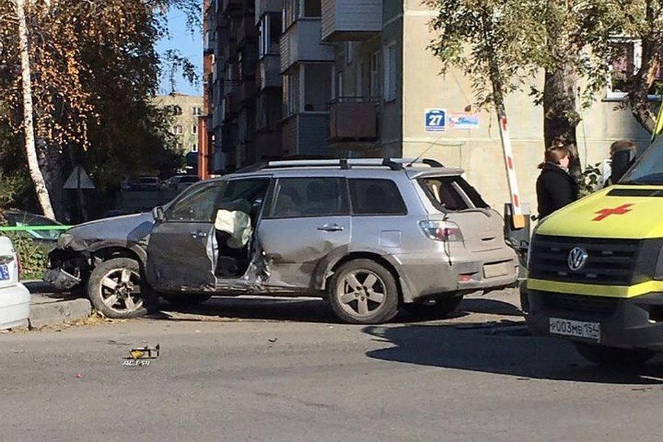 Пассажирка кадилак угодила вреанимацию после ДТП вНовосибирске