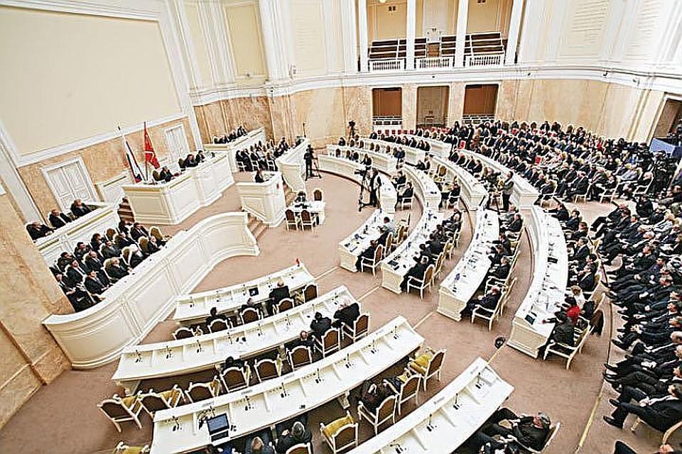 Генпрокуратура  внесла представление вадрес руководителя  законодательного собрания Петербурга Вячеслава Макарова