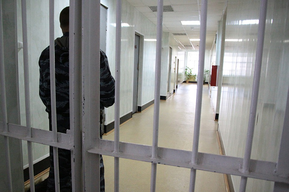 Трое предпринимателей похитили, избили ипосадили вклетку знакомого человека вИркутске