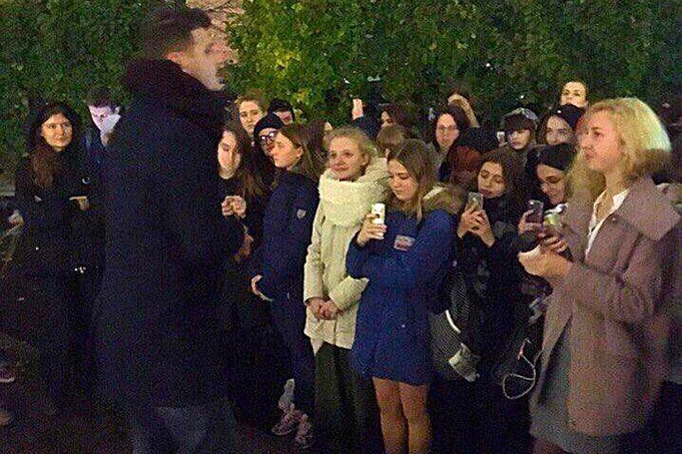 Из-за угрозы взрыва изздания МГУ эвакуированы около 2 тыс. человек