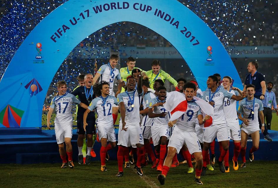 Британцы разгромили испанцев истали чемпионами мира