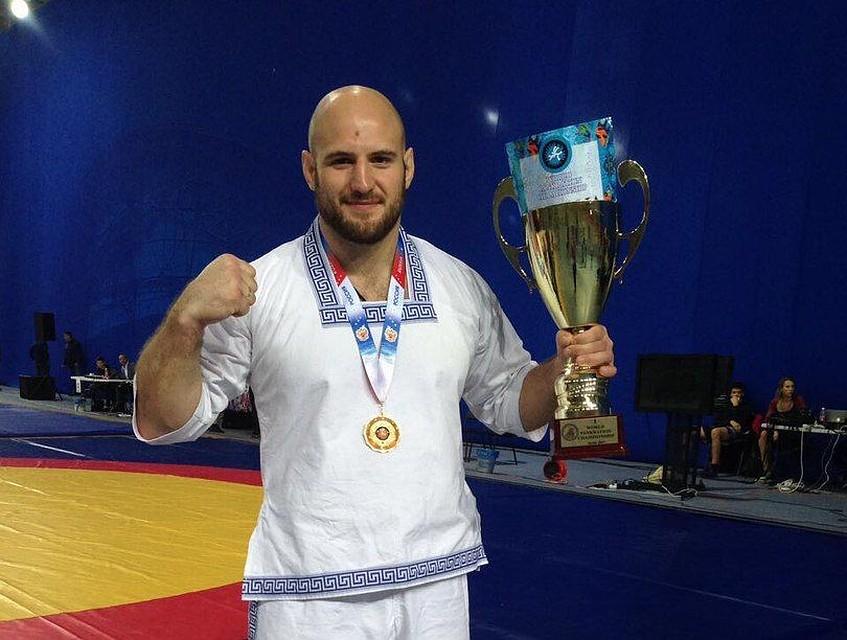 Туляк Денис Полехин стал чемпионом мира попанкратиону вСочи