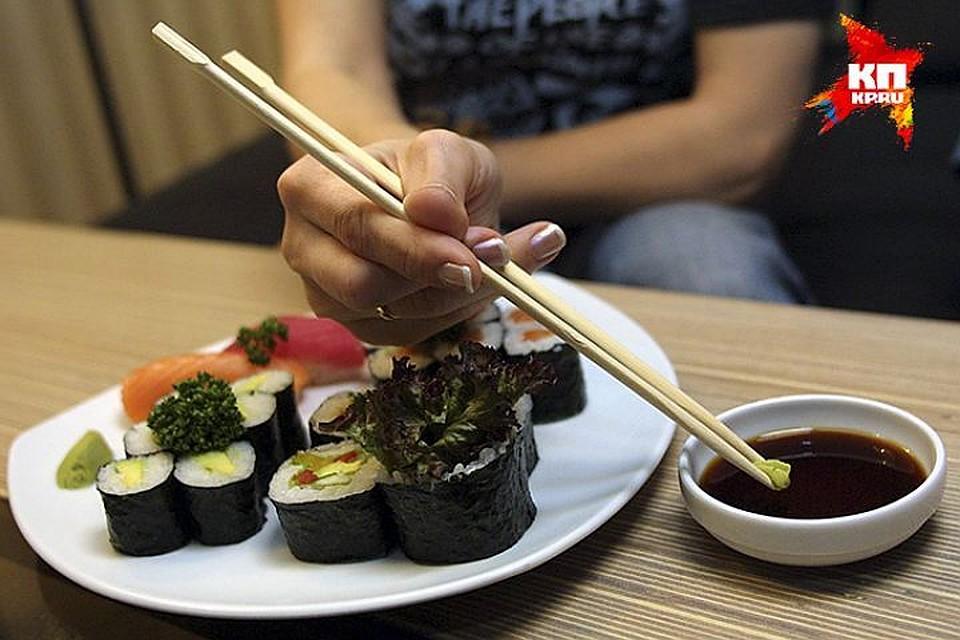 ВКазани вкафе «Японка» 8 человек отравились суши
