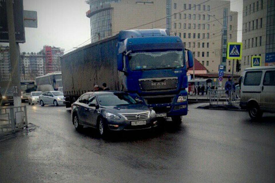 Вначале рабочей недели утром пробки на трассах Кемерова достигли 9 баллов