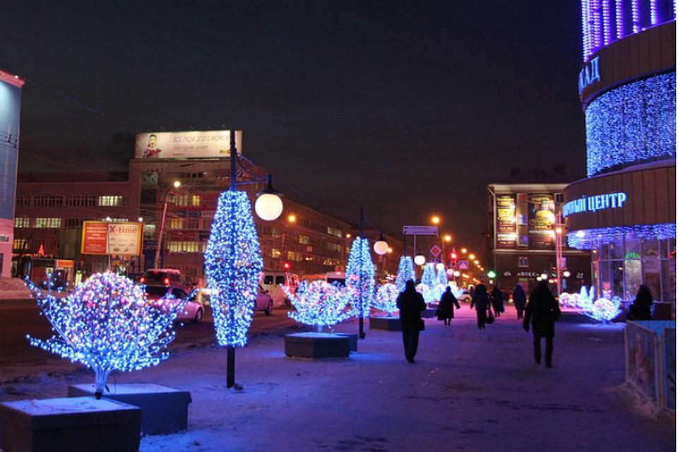 Фролов обязал предпринимателей приукрасить здания вОмске по-новогоднему до15декабря
