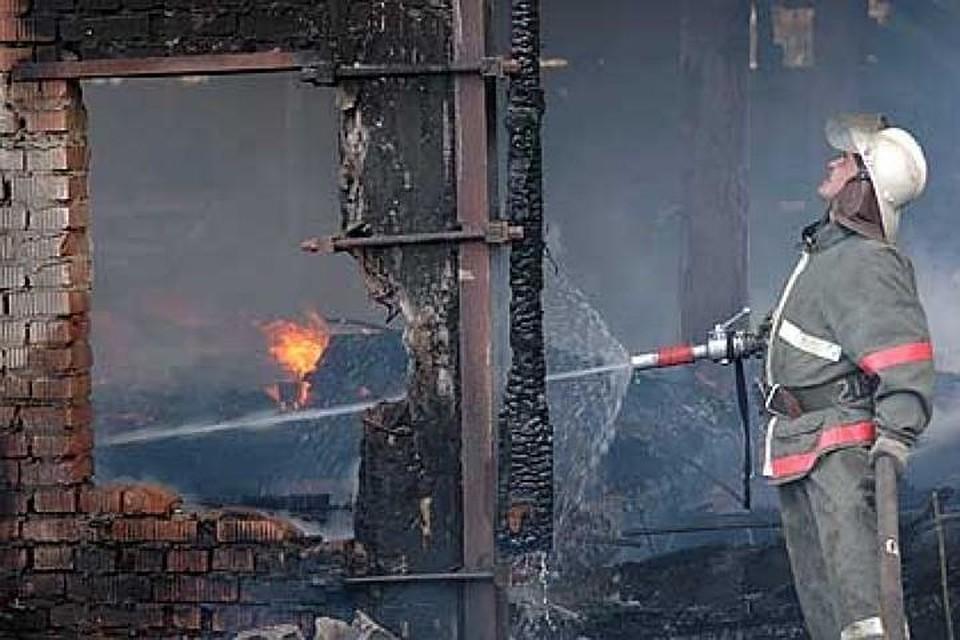 Супружеская пара погибла напожаре в личном  доме вЕршове Саратовской области